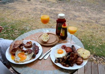sample-ketchups-bank-glamping-country-bbq-breakfast-hamper-photo-robyn-clabrough